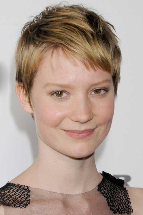 19.Celebrity Short Hair