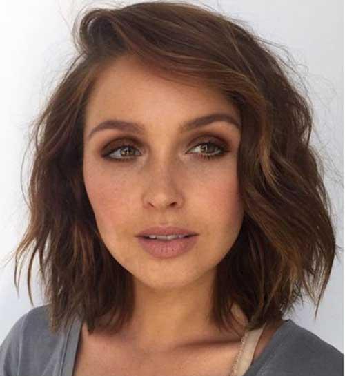 19.Short Brunette Haircut 2016
