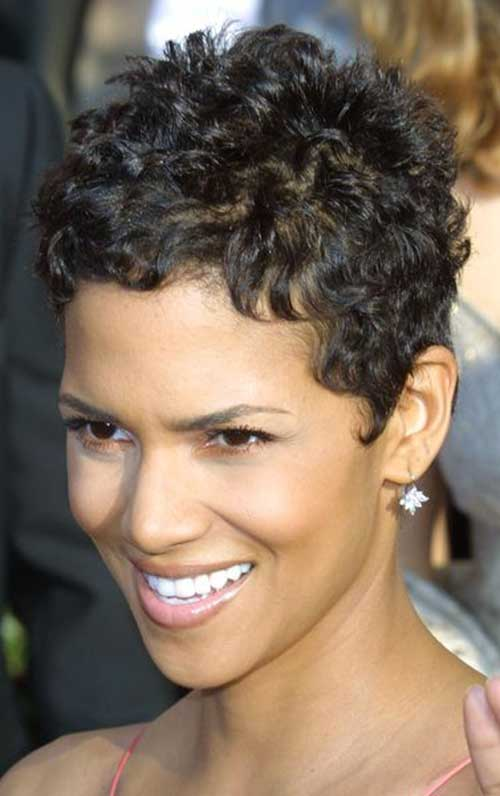 22.Naturally Curly Short Hairstyle