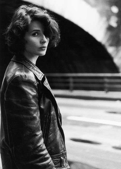 Short Hair Women-36