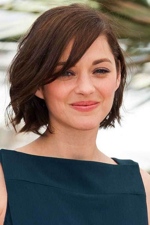 Top Short Haircuts For Round Faces Short Hairstyles - Hairstyle for round face to look slim