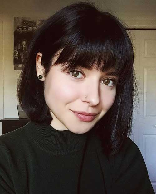 Short Hairstyles with Bangs-15