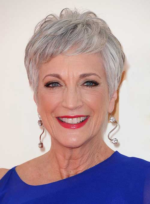 Short Haircut For Older Ladies-7