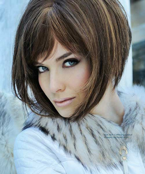 Best Short Haircuts for Older Women-12