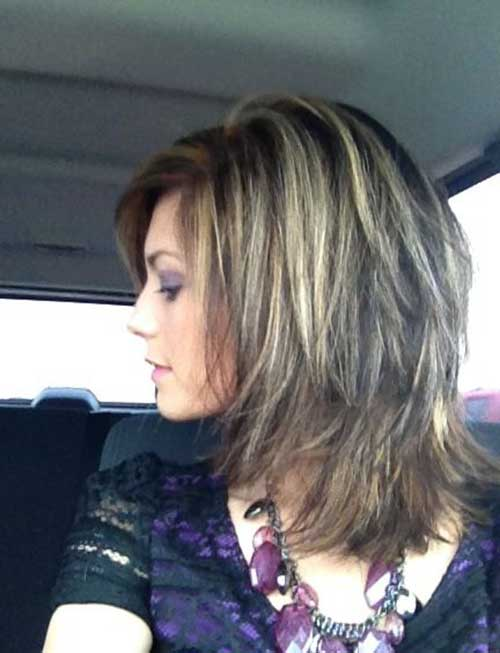 Short Haircuts for Women Over 40-6