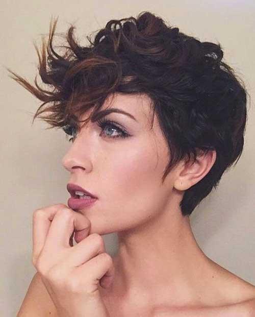 Neueste kurze lockige Frisuren für Damen