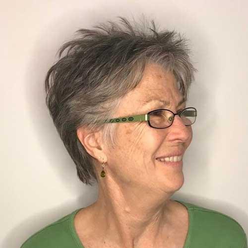 Short Hairstyles for Older Women-7