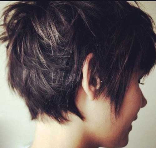 12.Short Layered Haircut