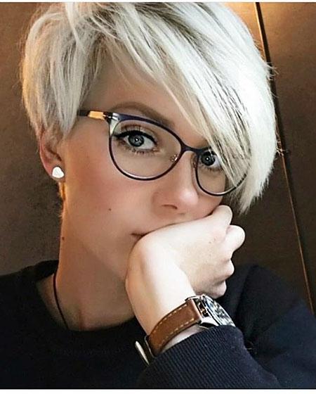 Pixie Layered Hair Gray