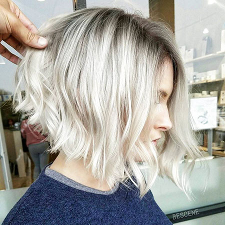 20 Short Haircuts For Wavy Hair Short Hairstyles Haircuts 2019 2020