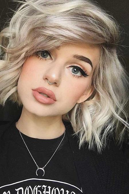 7-Short-Hair-Color-2018-274