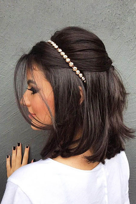 Hair Short Layered Brown