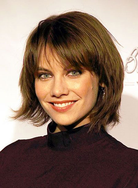 12-Short-Layered-Hairtyles-with-Bangs-353