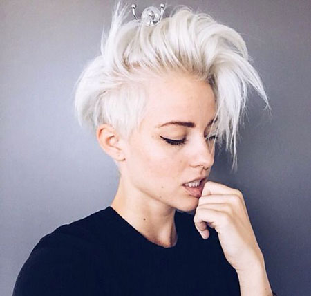 Short Pixie Brittenelle Hair