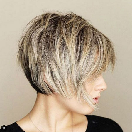 Layered Short Bob Balayage