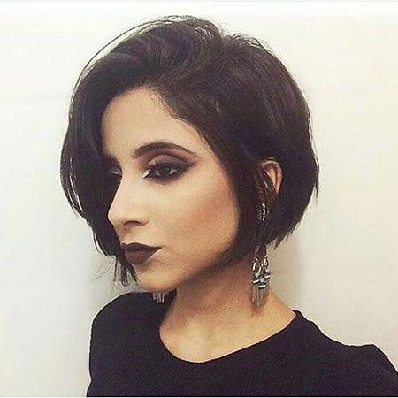 18-Ladies-Short-Hairtyles-Dark-527