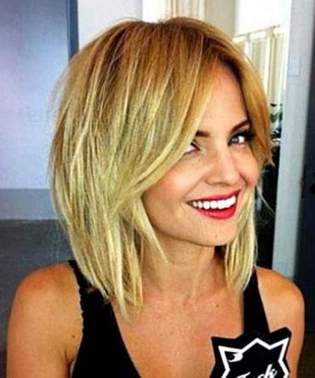 18-Short-Blonde-Hair-Round-Face-359