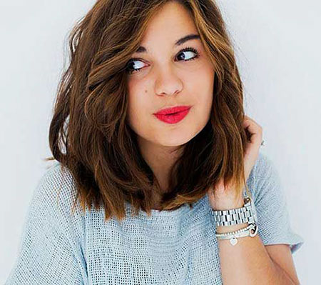 2-Short-Hairtyles-for-Thick-Hair-511