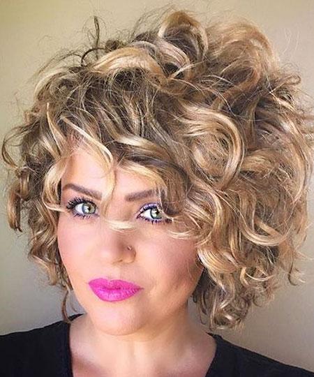 Curly Short Hair Hairtyle