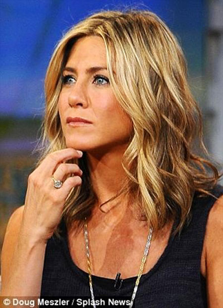 Aniston Jennifer Curls Length