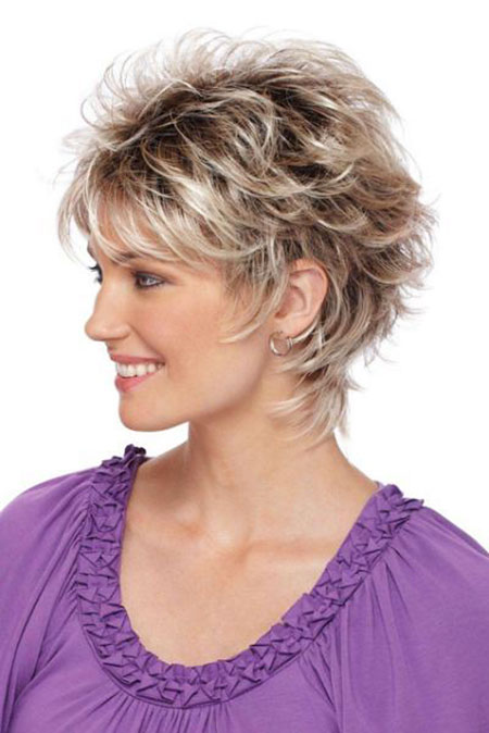 23-Short-Haircuts-for-Women-Over-50-334