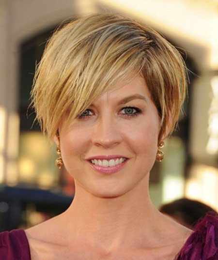 30-Haircuts-with-Bangs-for-Women-Over-50-341