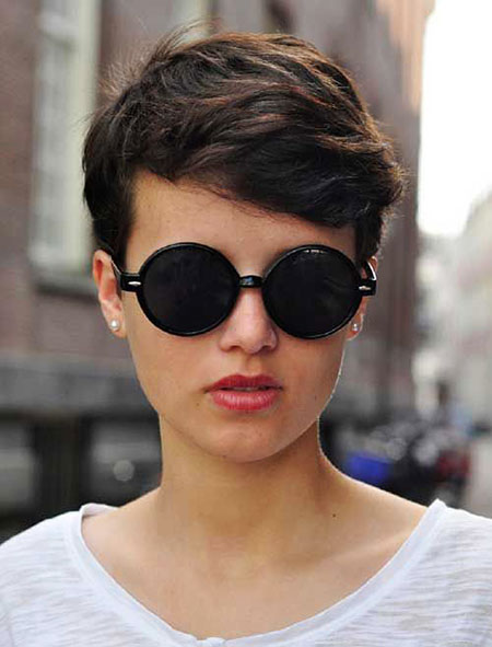 Pixie Short Wavy Hair