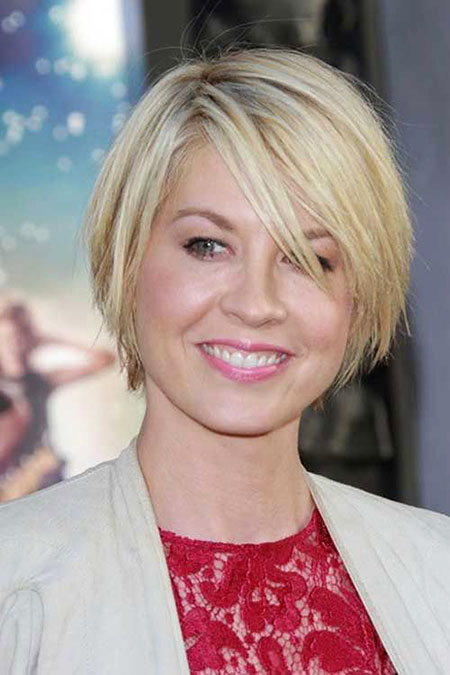 7-Short-Haircuts-for-Women-with-Fine-Hair-498