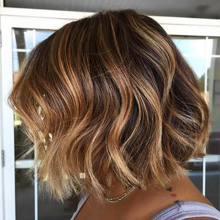 Bob Highlights Brown Blonde