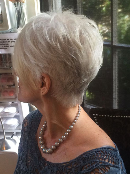 Voluminous Gray Pixie Hairtyle