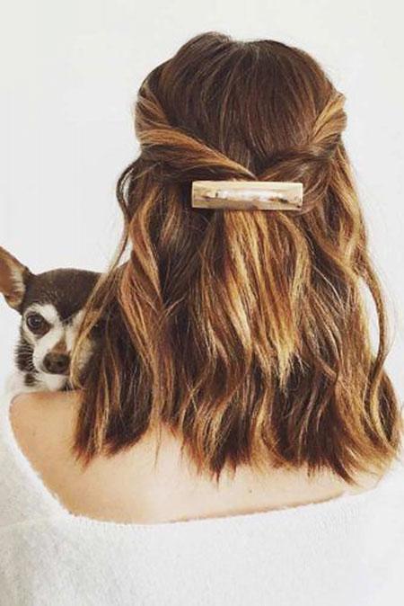 12-Easy-Updos-for-Short-Hair-245
