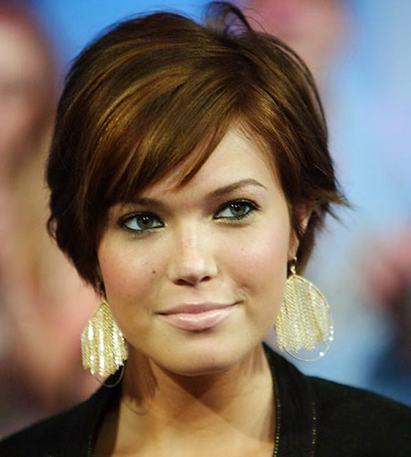 20 Short Hairstyles For Oval Faces Short Hairstyles Haircuts 2019 2020