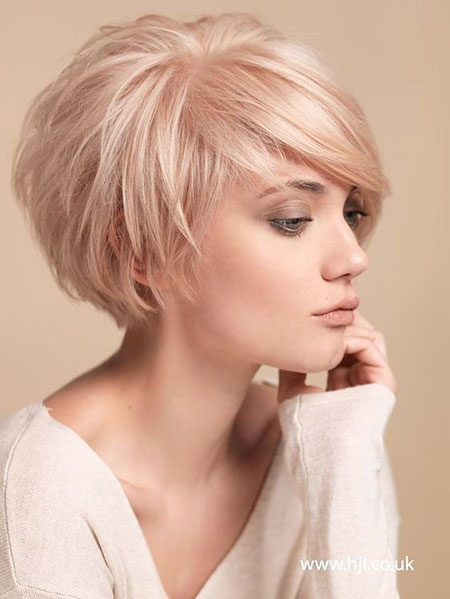2-Short-Round-Layered-Haircut-323