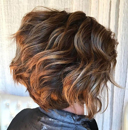 Layered Hair Bob Wavy