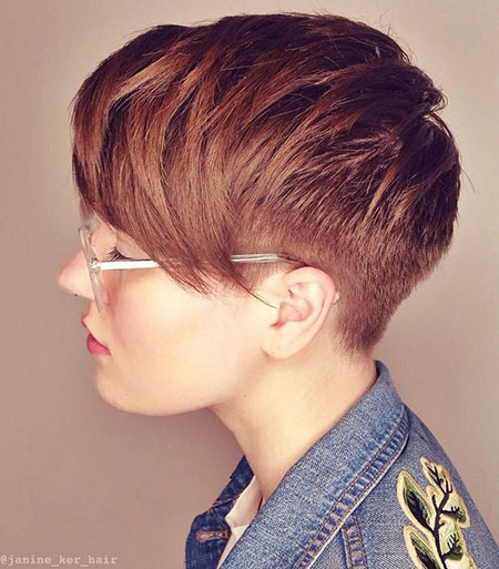 28-Short-Hair-with-Layers-394