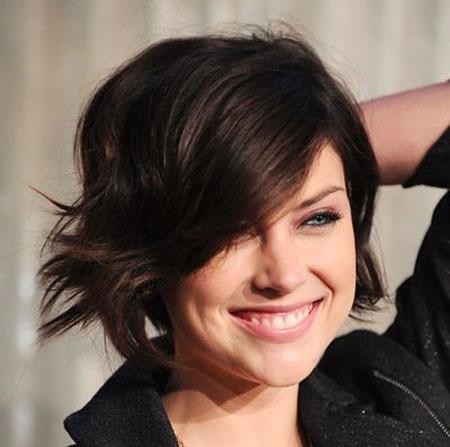 29-Pixie-Cut-with-Wavey-Hair-584