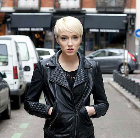 Cool Pixie, Short Round Hair Bob