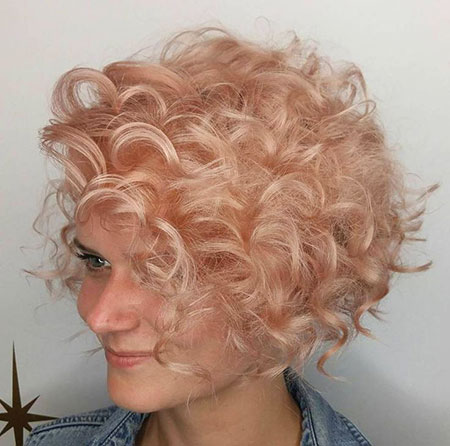 20 kurze lockige blonde Frisuren