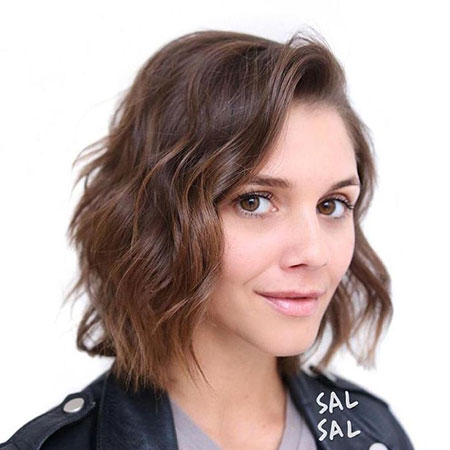 Short Haircut for Oval Faces 2018, Parted Bob Brown Lob