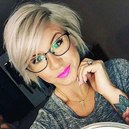 Hair Pixie Layered Short