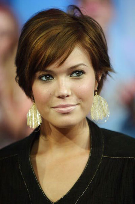 Cute Layered Haircut, Short Hair Face Moore