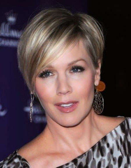 23 Short Hairstyles For Round Faces Short Hairstyles Haircuts