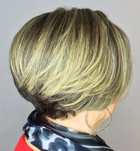 Bob Blonde Stacked Layered