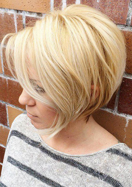 Bob Blonde Layered Hair