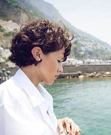 Short Curly Hairstyles - 30-