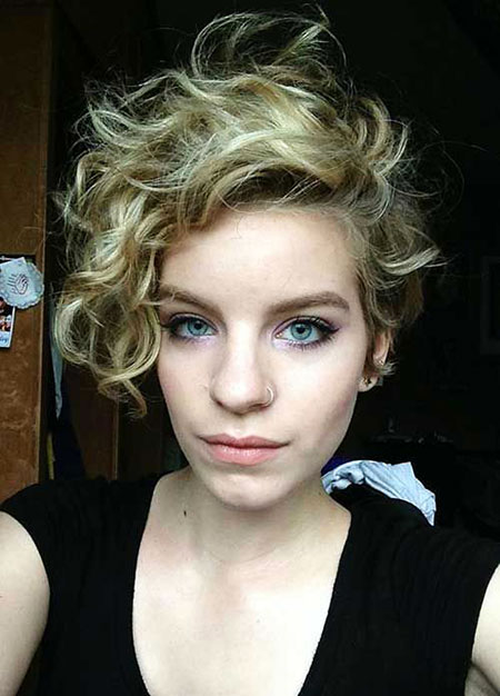 Short Curly Hairstyles - 40-