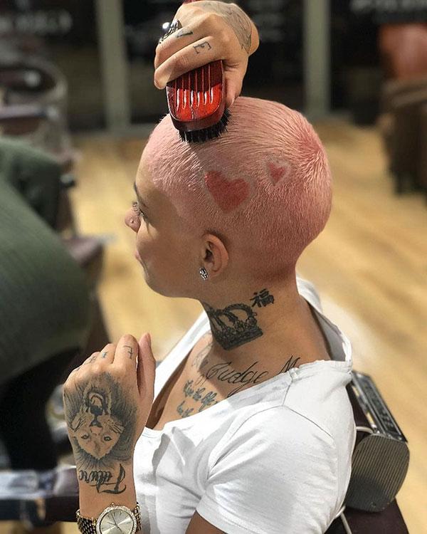 Kurze Frisuren für schwarze Frauen