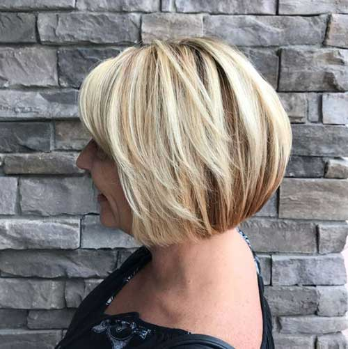 Pretty Short Haircuts For Older Women