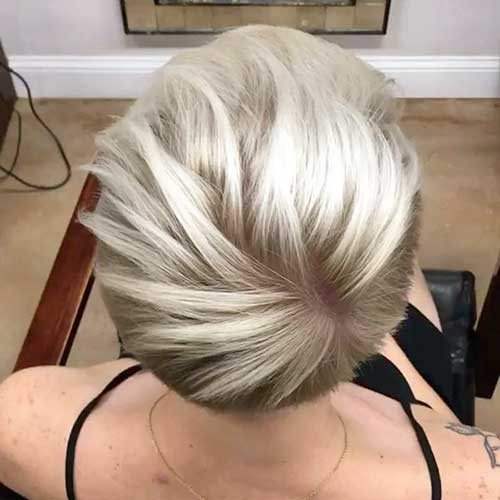 Cute Short Blonde Hairstyle