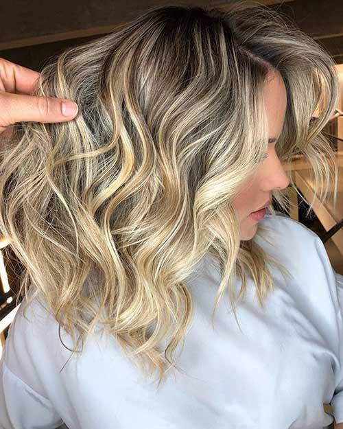 Short Wavy Blonde Bob Hairstyles